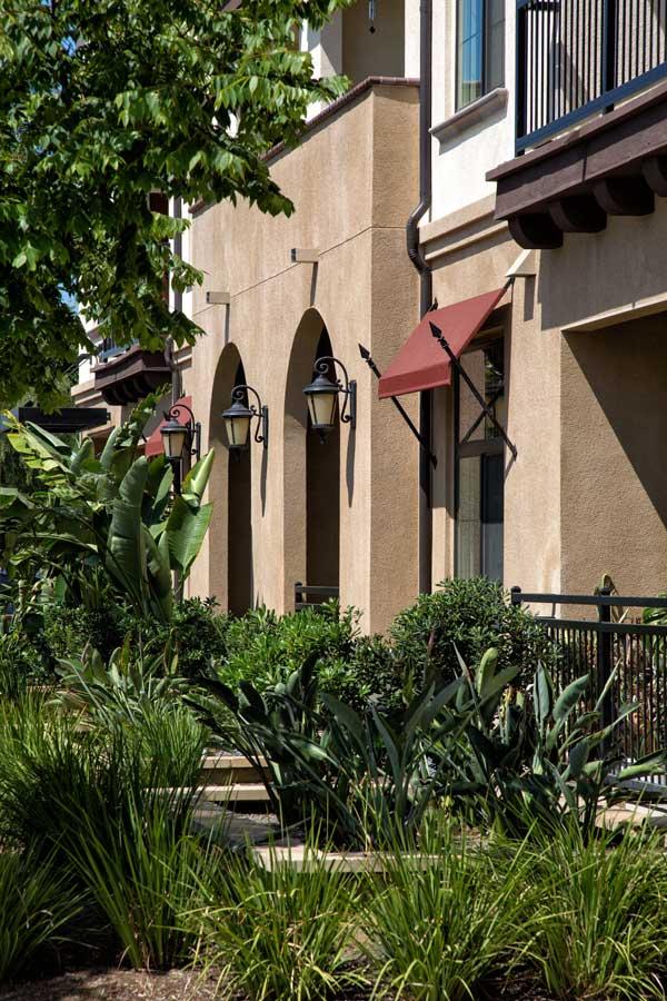 Tavarua Senior Apartments Extrior View6