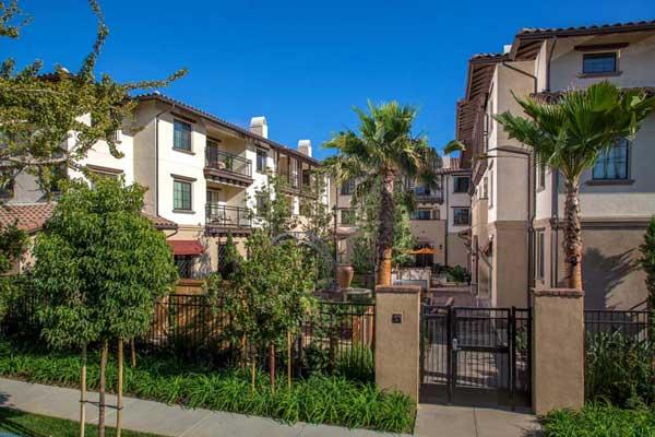 Tavarua Senior Apartments Extrior View1